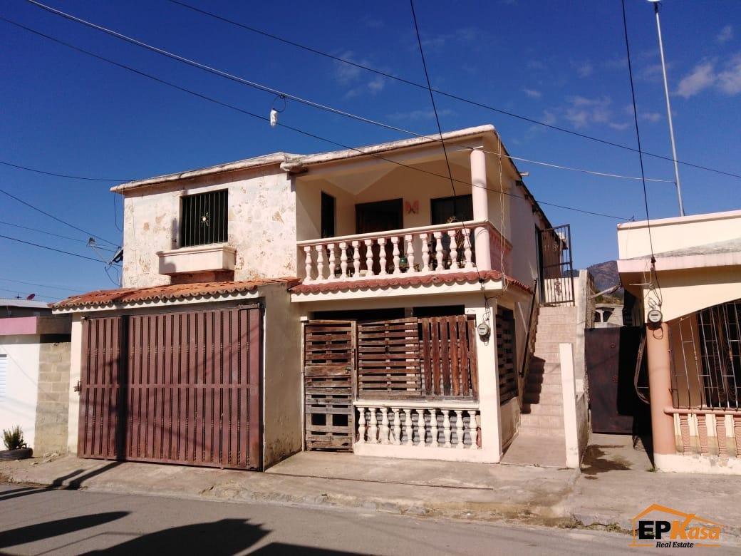 Casa estilo cabaña de  Venta en Constanza