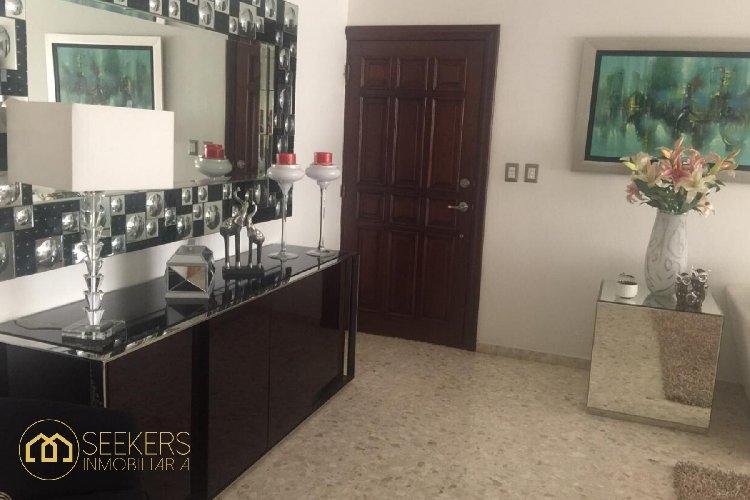 Seekers renta apartamento en Naco