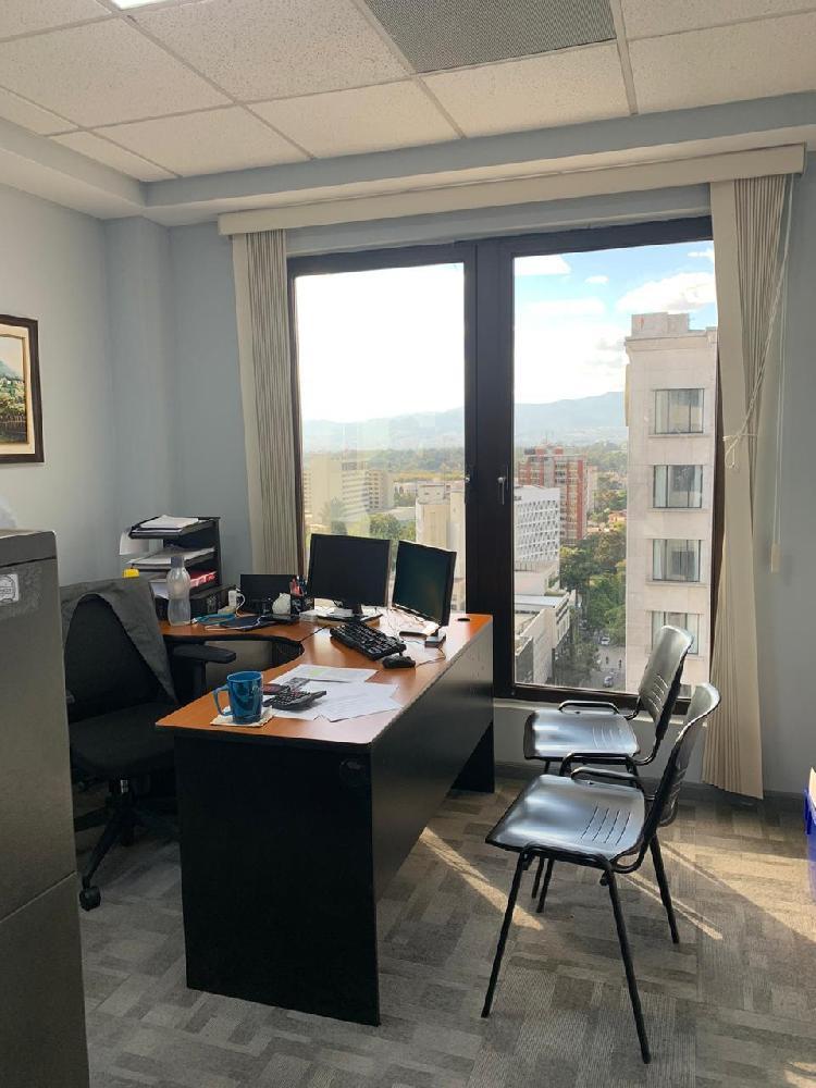 Oficina en venta / nivel completo en zona 10