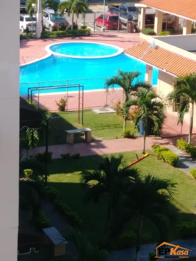Apartamento de Venta con Piscina, Santo Domingo Este