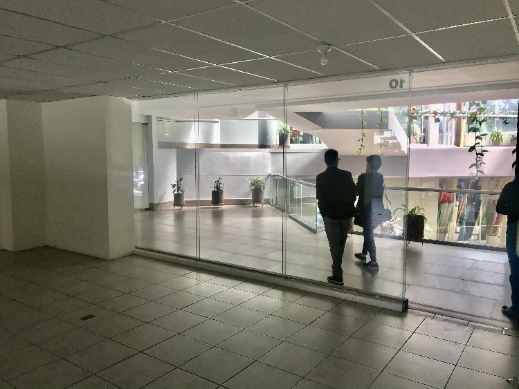 Local comercial en edificio zona 10