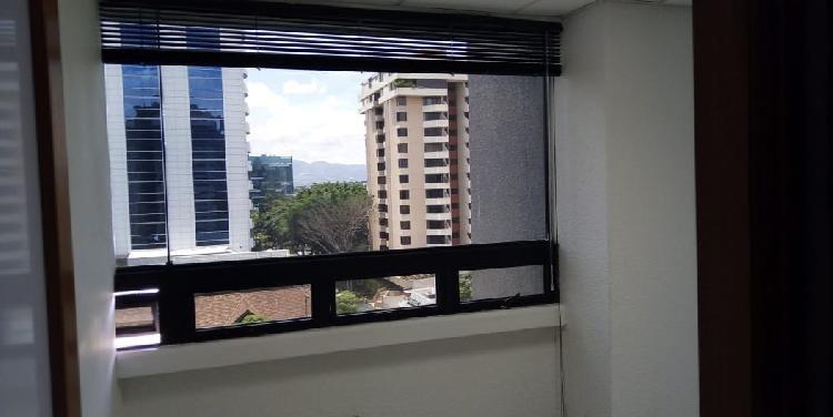 Oficina de un solo ambiente 9mts2 en renta zona 10