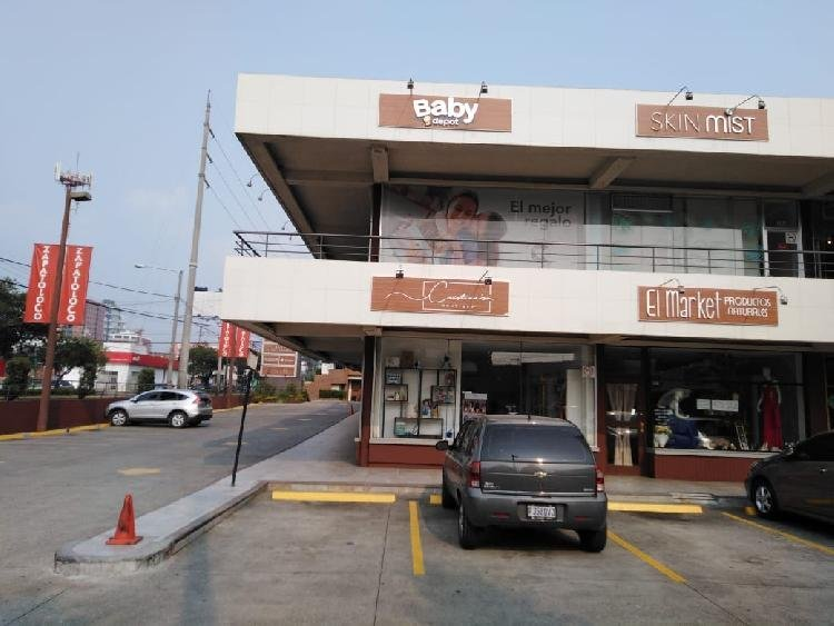 Local en zona 10, Boulevard Los Proceres