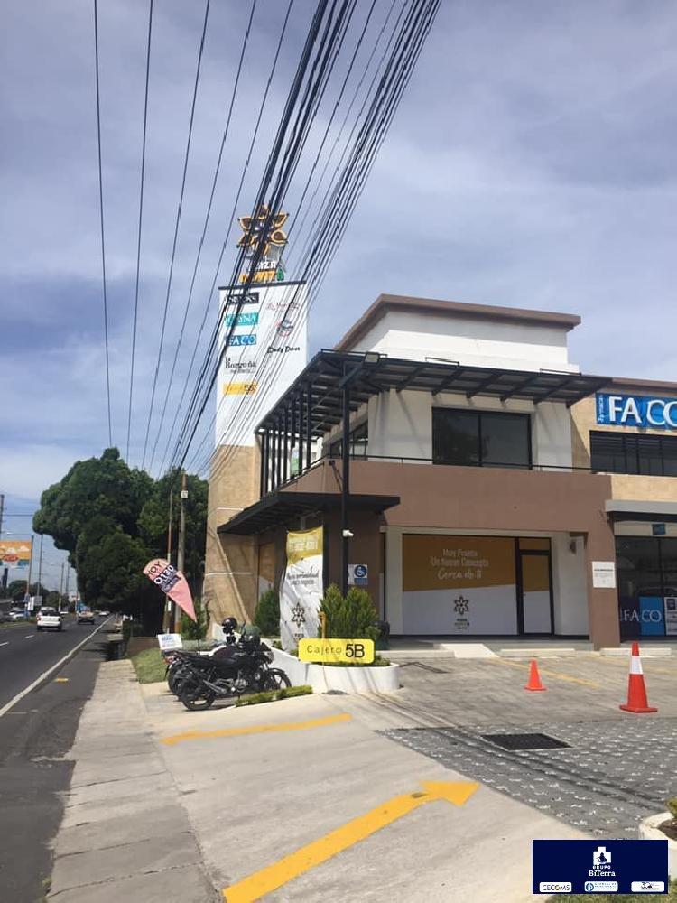 Amplio local comercial en carretera a El Salvador