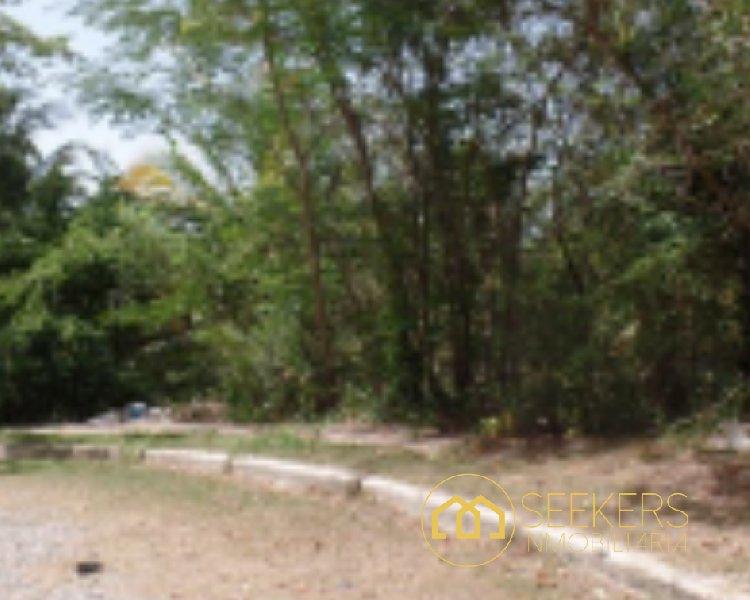Seekers Vende Terreno en Zona Residencial